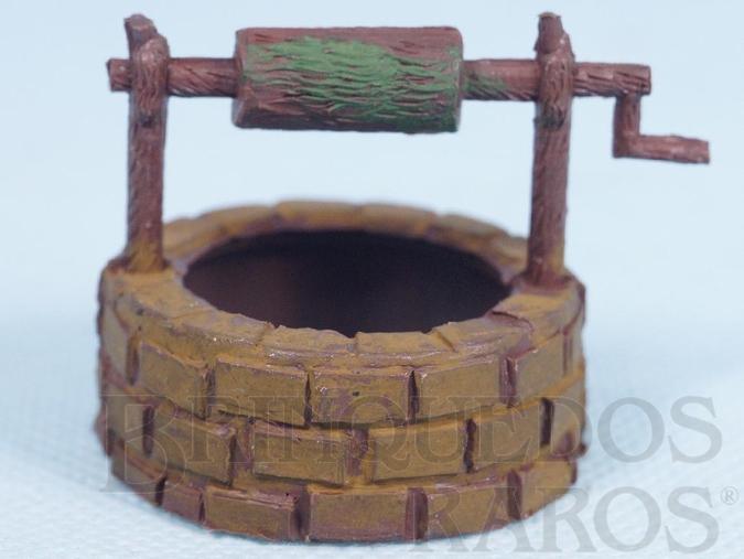 Brinquedo antigo Poço com 4,0 cm de altura Série Fazenda Chaparral Década de 1970