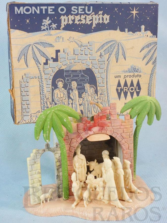 Brinquedo antigo Presépio com 10 figuras 3,5 cm de altura Coleção Miguel Cerrato Década de 1960
