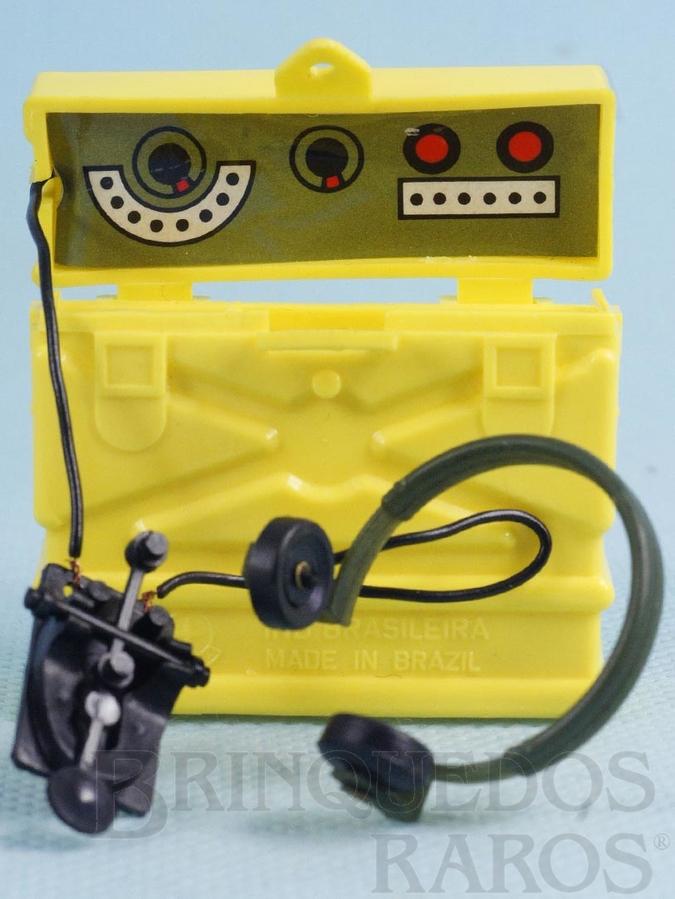 Brinquedo antigo Rádio da Aventura Luta Selvagem Sobrevivendo no Inferno Verde Ano 1977