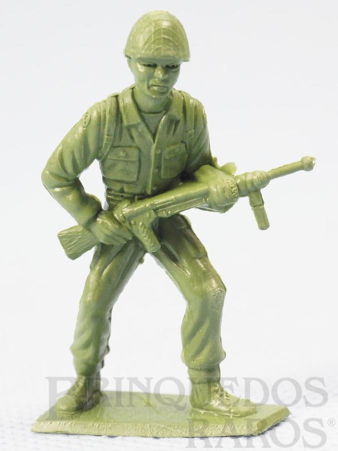 Brinquedo antigo Soldado americano avançando com Metralhadora Figura Matriz de soldado do Brinde Toddy Década de 1960