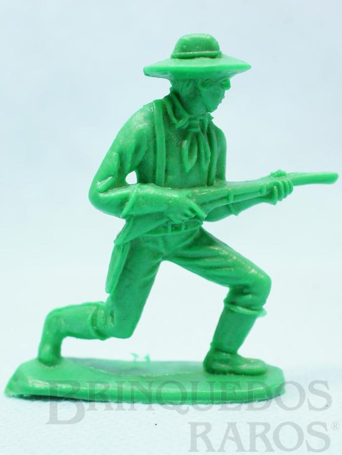 Brinquedo antigo Soldado da Sétima Cavalaria avançando com rifle Plástico verde Década de 1980