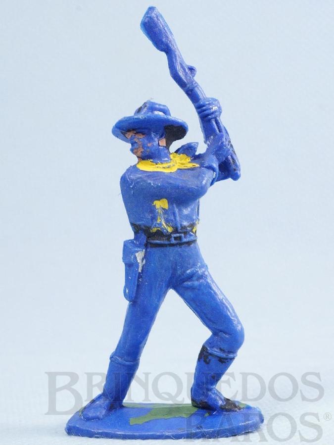 Brinquedo antigo Soldado da Sétima Cavalaria de pé lutando com rifle