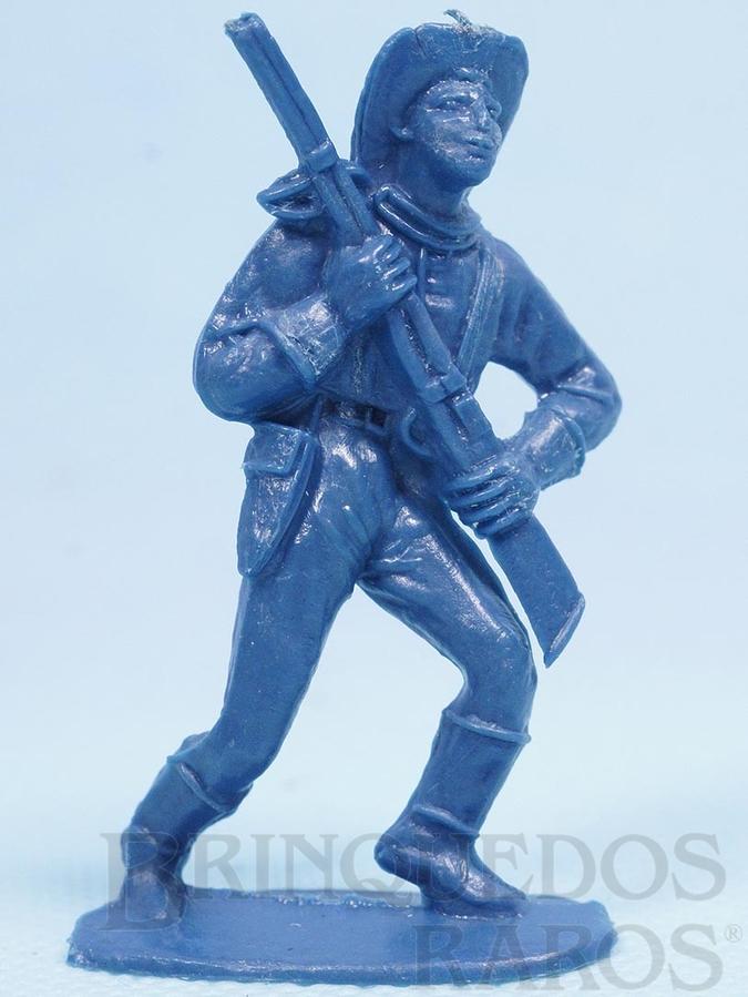Brinquedo antigo Soldado da Sétima Cavalaria marchando com rifle Plástico azul Década de 1970