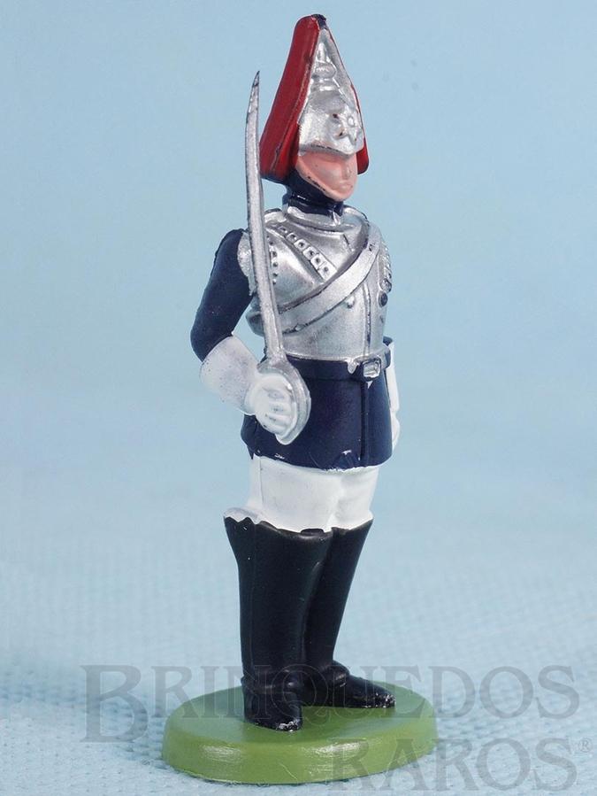 Brinquedo antigo Soldado Lifeguard montando guarda com espada Década de 1970