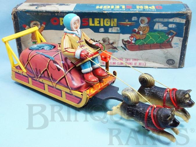 Brinquedo antigo Trenó de Esquimó Open Sleigh com 39,00 cm de comprimento Ano 1967