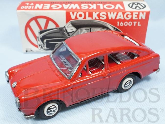 Brinquedo antigo Volkswagen 1600 TL com 18,00 cm de comprimento vermelho Década de 1970
