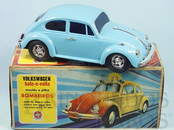 Brinquedo antigo Volkswagen Sedan com 26,00 cm de comprimento Perfeito estado 100% original Versão de Passeio Sistema Bate e Volta Anos 1977 a 1979
